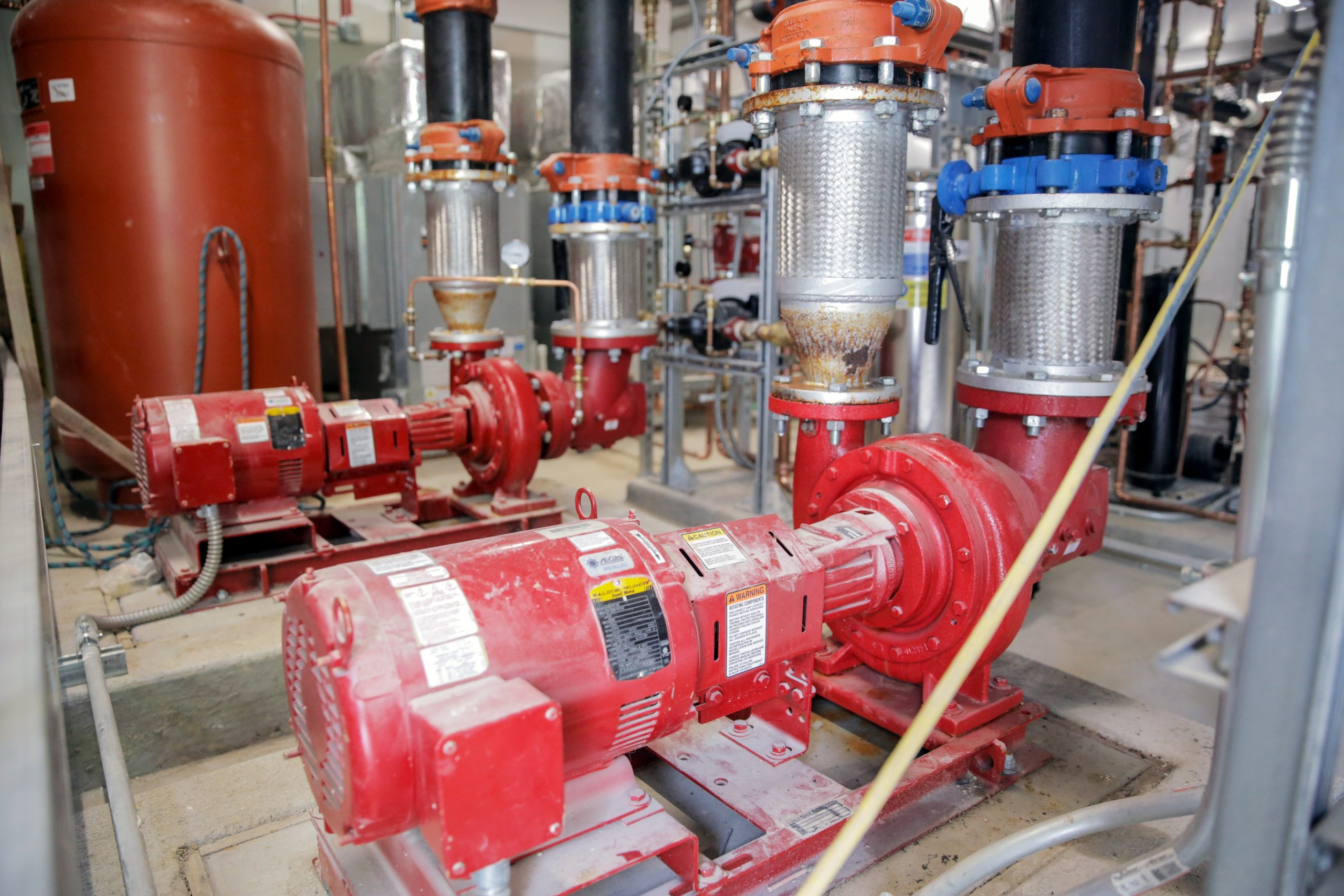 Geothermal system water pumps